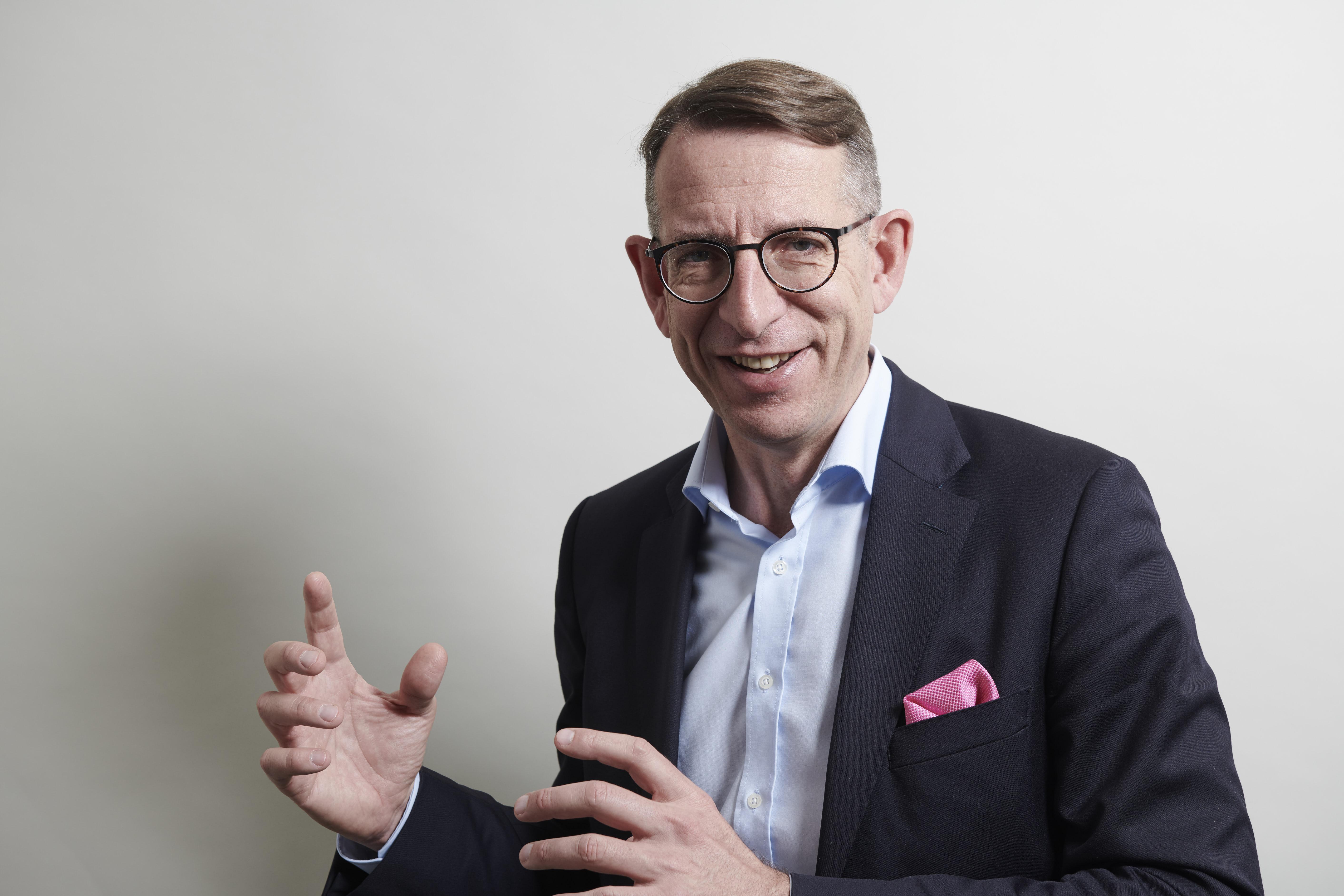 """The Business Caring Formula"" Podcast with Dr. Frank Jürgen Richter"